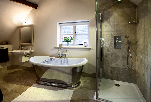 Bathroom, The Coach House, Garretts Farm, Buckland, Broadway, Cotswolds